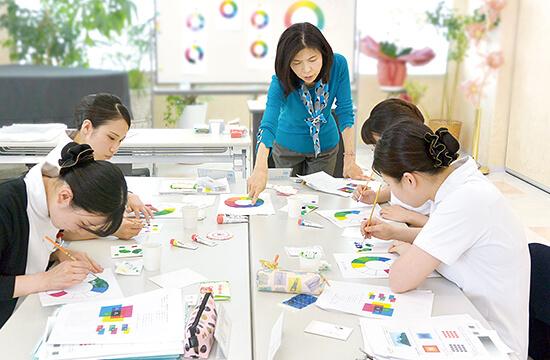 色彩学の様子
